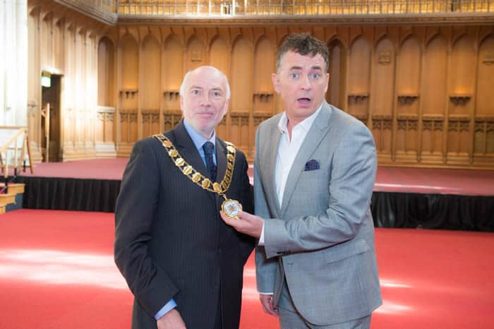 Just announced: Shane Richie to turn on Dartford's Christmas Lights!