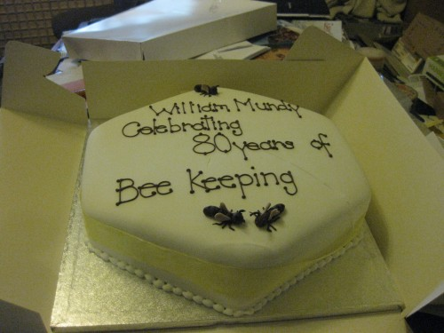 Bee Keeping Cake