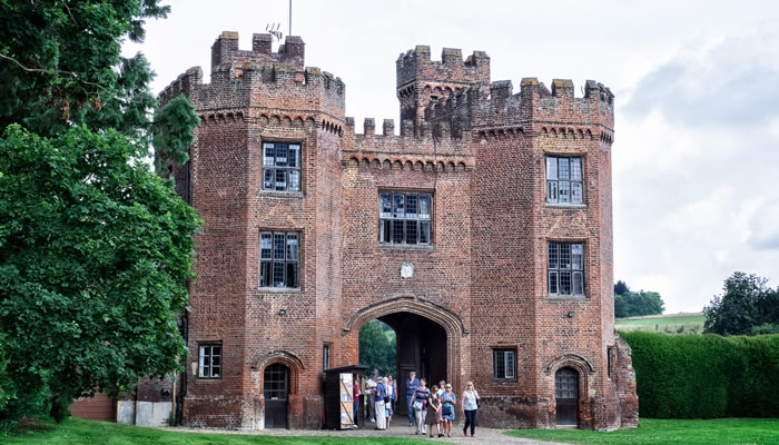 Lullingstone Castle and The World Garden reveal 2017 events!