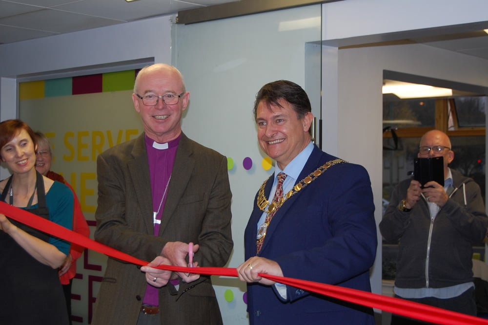 BISHOP OF ROCHESTER OPENS CHARITY CAFÉ IN DARTFORD