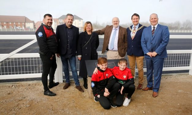 Dartford Borough Council unveils plaque to mark the new Dartford Valley Rugby Club community clubhouse